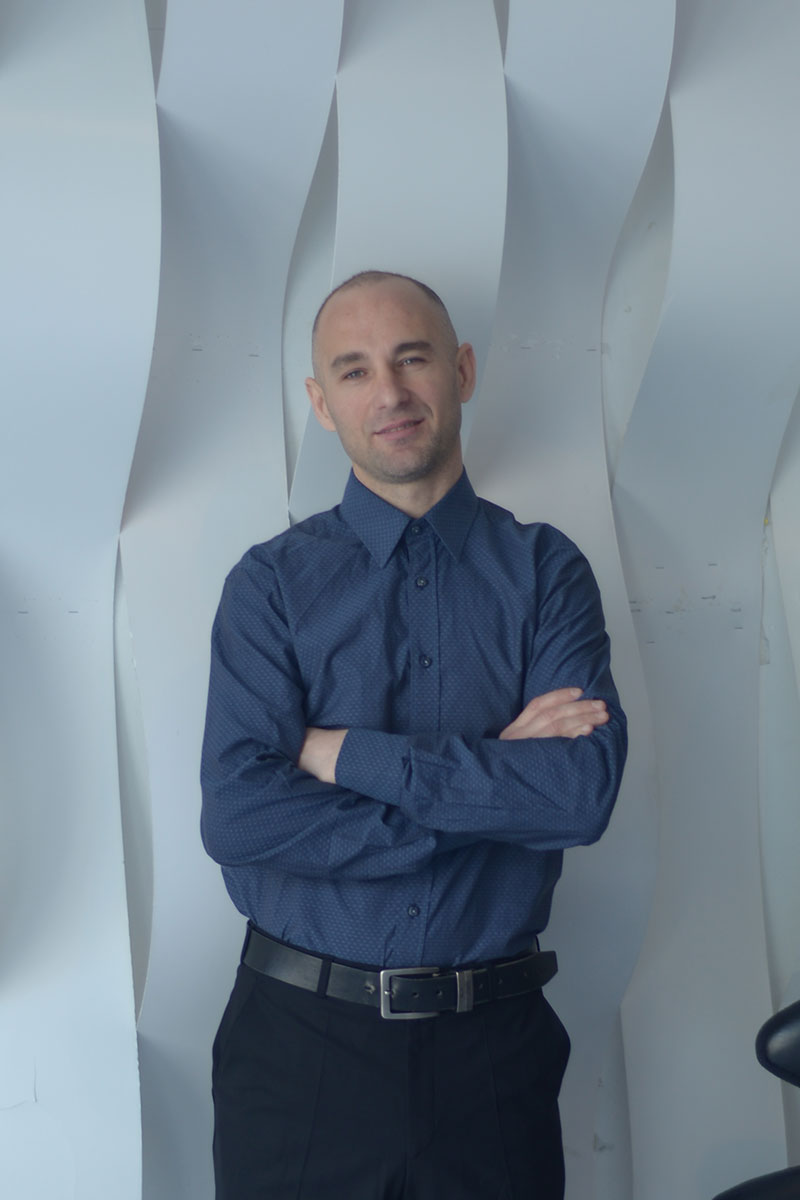 Руслан Бурковски